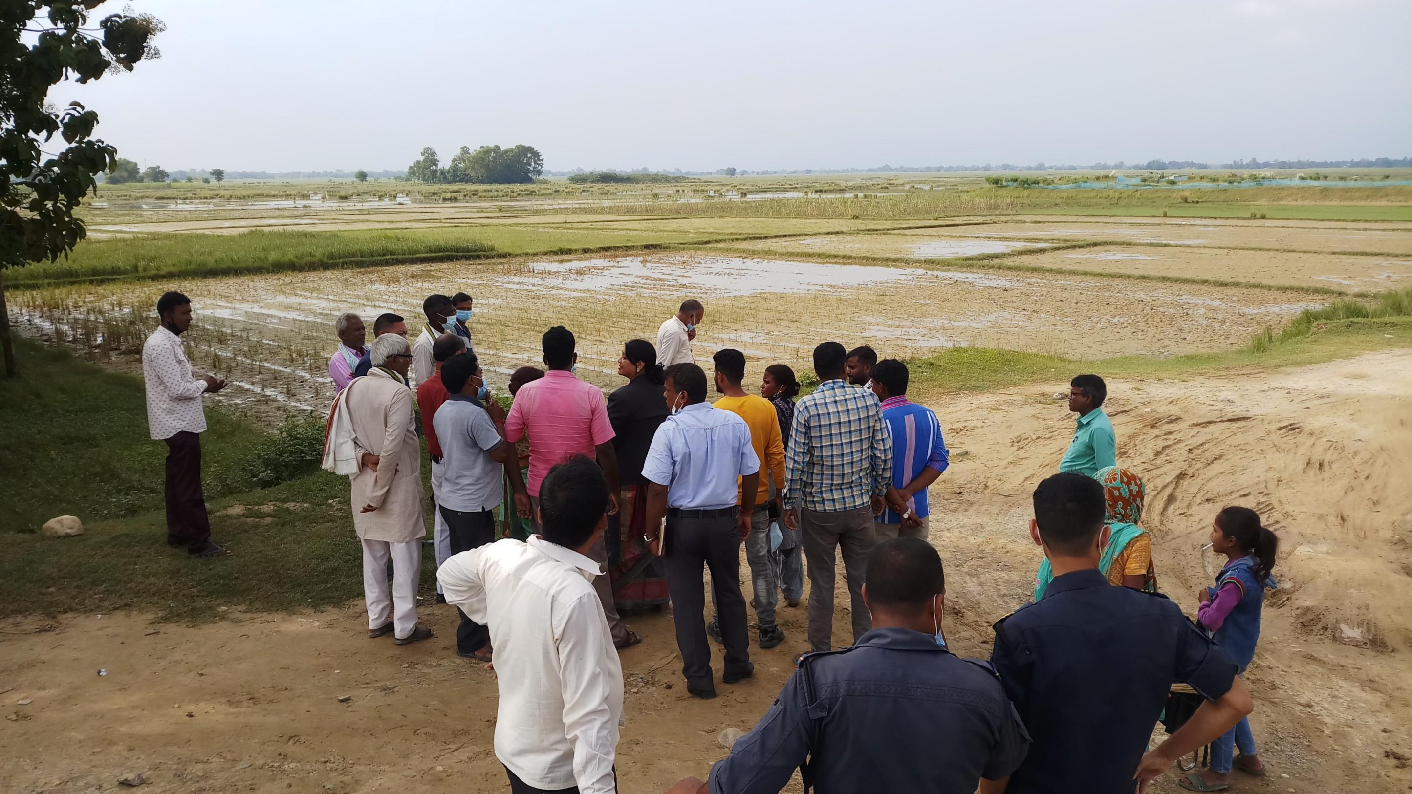 कृषि, खाद्य प्रविधि तथा भूमि व्यवस्था मन्त्रालयका  मा.मन्त्री  श्री  सुमन शर्मा रायमाझी ज्यु बाट सरावल गा.पा. ७मा  डुबान क्षेत्रको स्थलगत निरीक्षण।२०७८०६०२